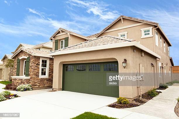Moderne amerikanische Vorort Häuser