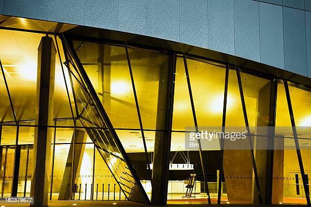 Architettura moderna a notte