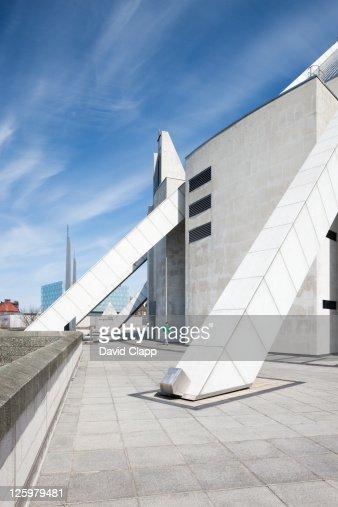Modern Architecture Fl...
