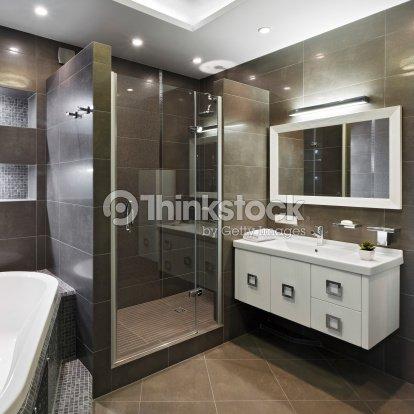 int rieur moderne de salle de bains photo thinkstock. Black Bedroom Furniture Sets. Home Design Ideas