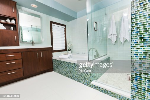 'Modern Home Bathroom with Shower Stall, Tub and Vanity'