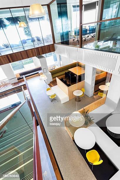モダン、明るいオフィススペース