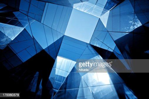 モダンなガラスの建築