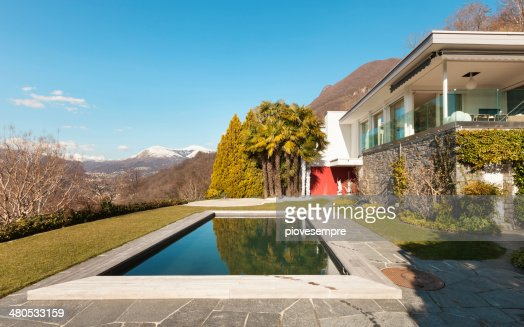 Modern house, outdoor : Stock Photo