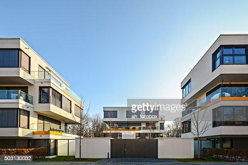 Modernes Wohnen in der Stadt – urban residential Gebäude : Stock-Foto