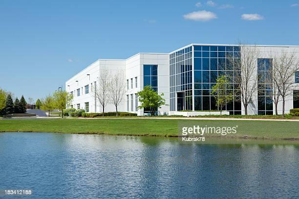 近代的な産業用建物