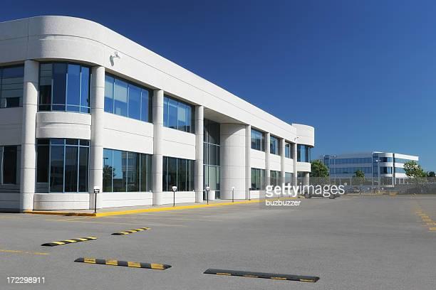 近代的な産業の建物