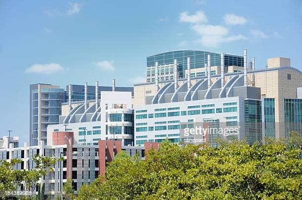 Moderne et chimiques industriel bâtiment