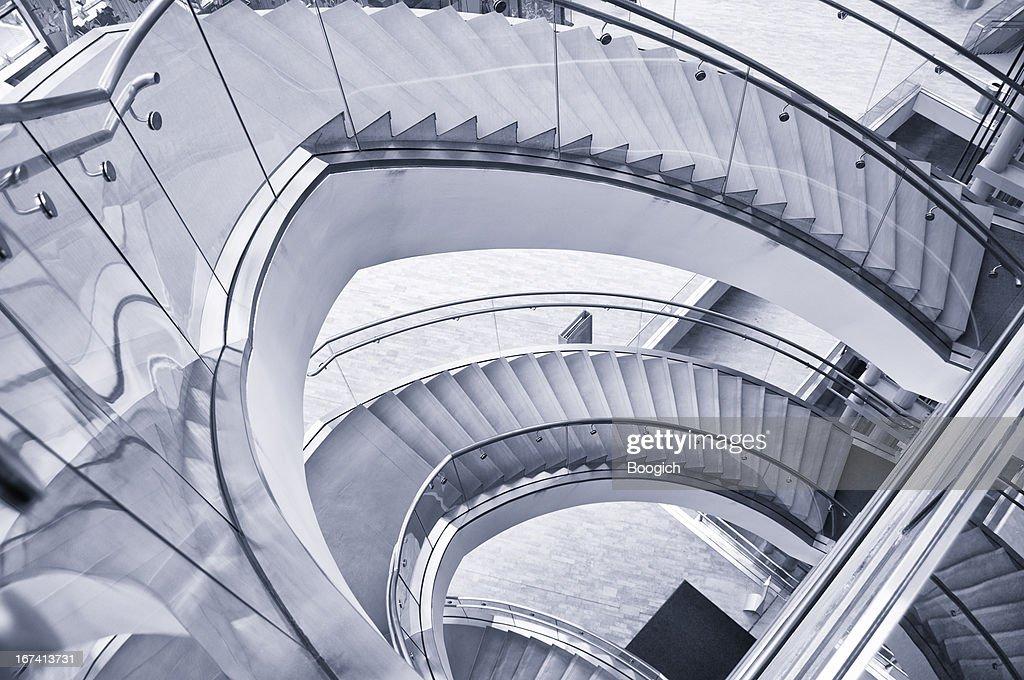 Moderne Interieur Wendeltreppe : Stock-Foto