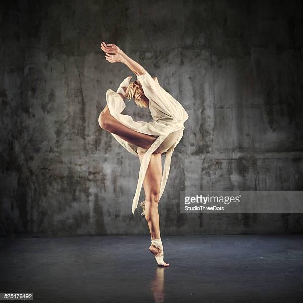 Danseuse de Jazz moderne pratiquant