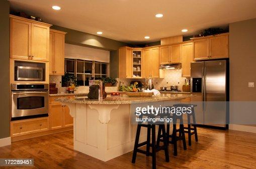 Cuisine moderne et intérieur de la maison