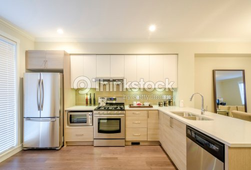 Design int rieur moderne de cuisine photo thinkstock - Design interieur cuisine ...
