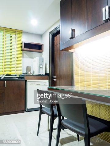 Cozinha moderna de design de interiores & Despensa : Foto de stock