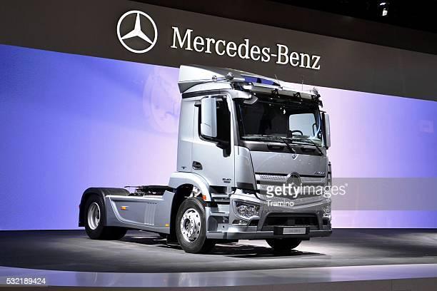 Moderne Mercedes Lkw