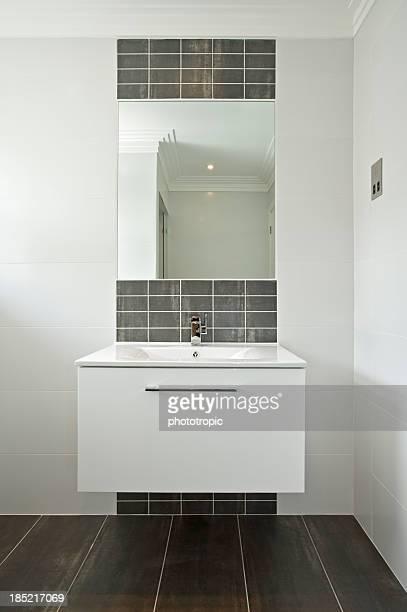 Modernen weißen Waschbecken