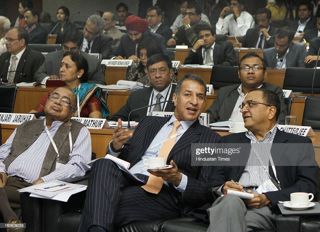 KK Modi, Rajan Bharti Mittal and other industrialists and officials react during Industry - Media Interface on Union Budget Session 2013-14 at Federation House, FICCI on February 28, 2013 in New Delhi, India. India Inc gave a thumbs up to the UPA-II's last Union Budget before the general elections next year.