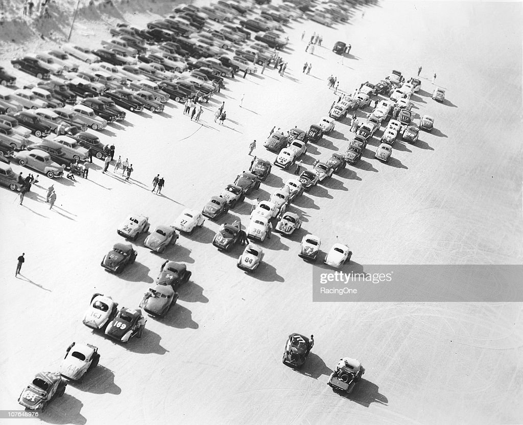 BEACH FL Modified stock cars prepare to race on the Daytona BeachRoad Course in the early 1950s