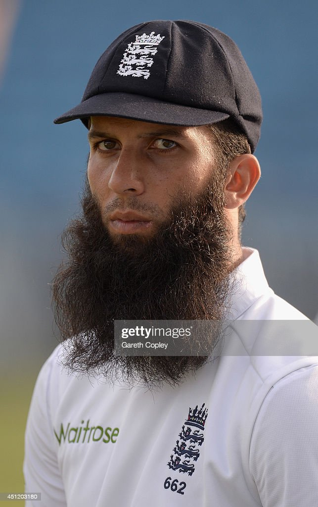 <a gi-track='captionPersonalityLinkClicked' href=/galleries/search?phrase=Moeen+Ali&family=editorial&specificpeople=571813 ng-click='$event.stopPropagation()'>Moeen Ali</a> of England during day five of 2nd Investec Test match between England and Sri Lanka at Headingley Cricket Ground on June 24, 2014 in Leeds, England.