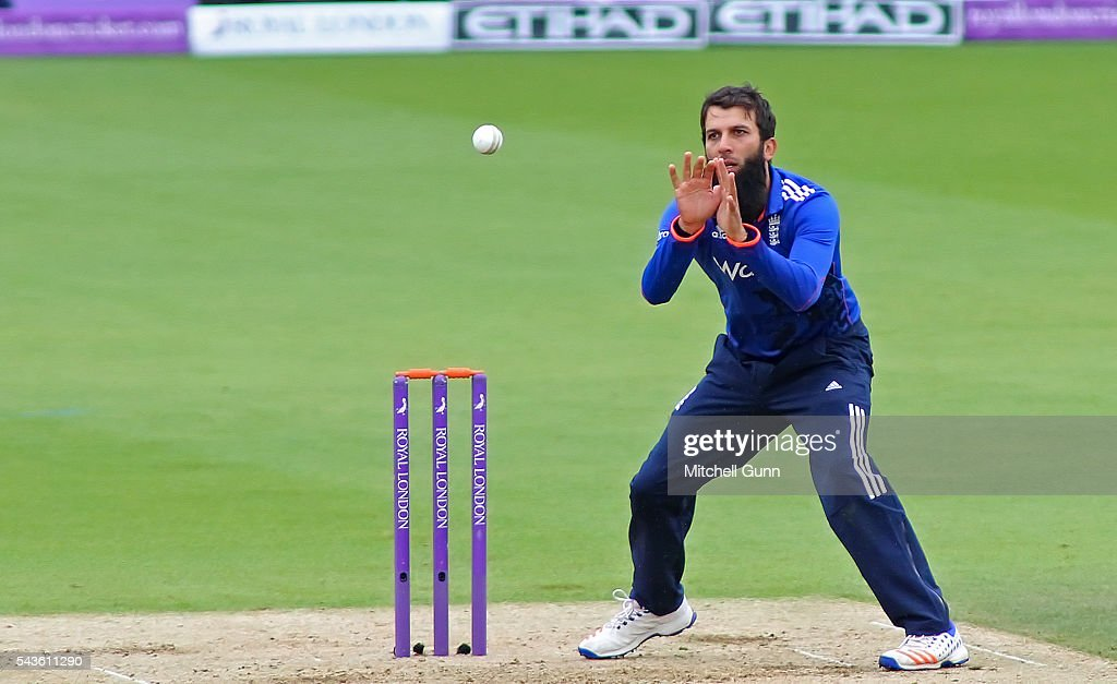 <a gi-track='captionPersonalityLinkClicked' href=/galleries/search?phrase=Moeen+Ali&family=editorial&specificpeople=571813 ng-click='$event.stopPropagation()'>Moeen Ali</a> of England during the 4th Royal London One-Day International between England and Sri Lanka at The Kia Oval Cricket Ground on June 29, 2016 in London, England.