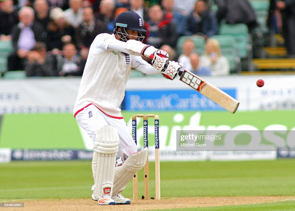 <a gi-track='captionPersonalityLinkClicked' href=/galleries/search?phrase=Moeen+Ali&family=editorial&specificpeople=571813 ng-click='$event.stopPropagation()'>Moeen Ali</a> of England plays a shot during day two of the 2nd Investec Test match between England and Sri Lanka at Emirates Durham ICG on May 28, 2016 in Chester-le-Street, United Kingdom.