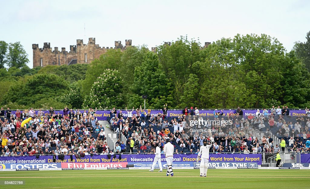 <a gi-track='captionPersonalityLinkClicked' href=/galleries/search?phrase=Moeen+Ali&family=editorial&specificpeople=571813 ng-click='$event.stopPropagation()'>Moeen Ali</a> of England salutes the crowd after reaching 150 runs during day two of the 2nd Investec Test match between England and Sri Lanka at Emirates Durham ICG on May 28, 2016 in Chester-le-Street, United Kingdom.