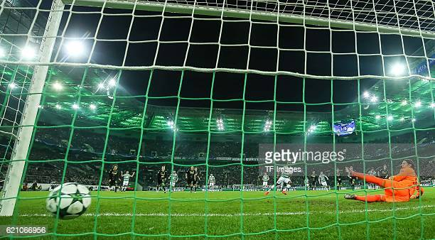 Moenchengladbach Germany UEFA Champions League 2016/17 Season Group C Matchday 4 Borussia Moenchengladbach Celtic Glasgow feature Moussa Dembele...