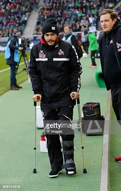 Moenchengladbach Germany 1 Bundesliga 11 Spieltag Borussia Moenchengladbach 1 FC Koeln Leonardo Bittencourt mit Gehhilfe