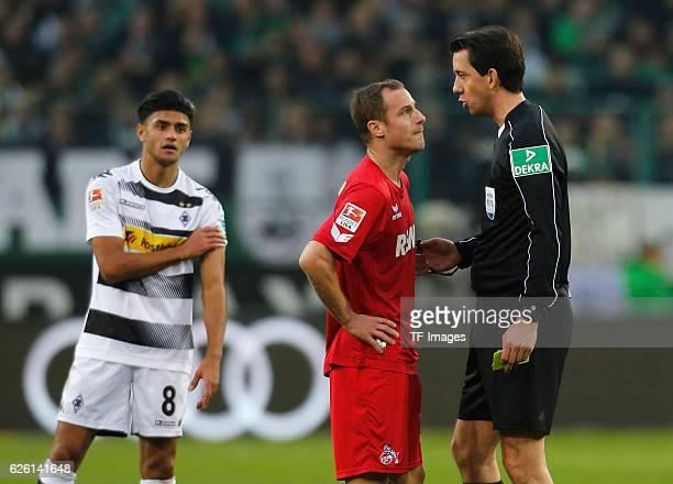 Moenchengladbach Germany 1 Bundesliga 11 Spieltag Borussia Moenchengladbach 1 FC Koeln Schiedsrichter Manuel Graefe verwarnt Matthias Lehmann