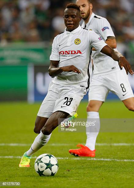 Moenchengladbach Germany Champions League Qualifikation Rueckspiel Borussia Moenchengladbach Young Boys Bern Denis Zakaria am Ball