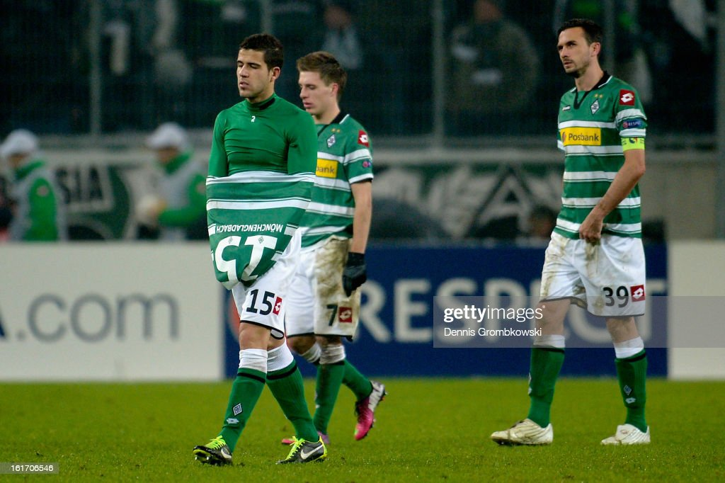 Moenchengladbach players look dejected after the UEFA Europa League round of 32 first leg match between VfL Borussia Moenchengladbach and S.S. Lazio at Borussia Park Stadium on February 14, 2013 in Moenchengladbach, Germany.