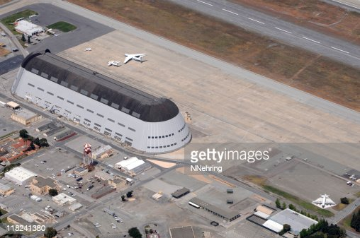 Moffett Field, California, hangar 1