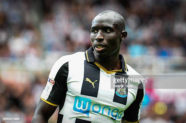 Mohamed Diame of Newcastle United frustration after narrowly missing the goal during the Sky Bet Championship match between Newcastle United and...