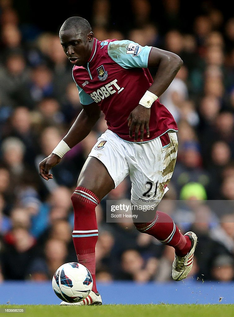 Mohamed Diame of West Ham in action during the Barclays Premier League match between Chelsea and West Ham United at Stamford Bridge on March 17, 2013 in London, England.