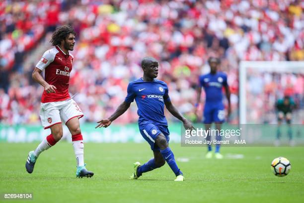 Mohamed Elneny of Arsenal and N'Golo Kante of Chelsea during the The FA Community Shield between Chelsea and Arsenal at Wembley Stadium on August 6...