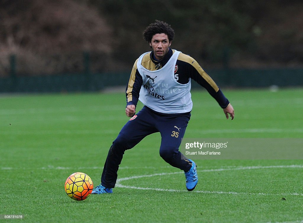 <a gi-track='captionPersonalityLinkClicked' href=/galleries/search?phrase=Mohamed+Elneny&family=editorial&specificpeople=10538678 ng-click='$event.stopPropagation()'>Mohamed Elneny</a> of Arsenal during a training session at London Colney on February 6, 2016 in St Albans, England.