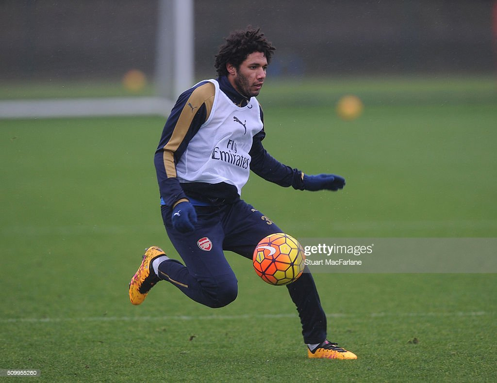 <a gi-track='captionPersonalityLinkClicked' href=/galleries/search?phrase=Mohamed+Elneny&family=editorial&specificpeople=10538678 ng-click='$event.stopPropagation()'>Mohamed Elneny</a> of Arsenal during a training session at London Colney on February 13, 2016 in St Albans, England.