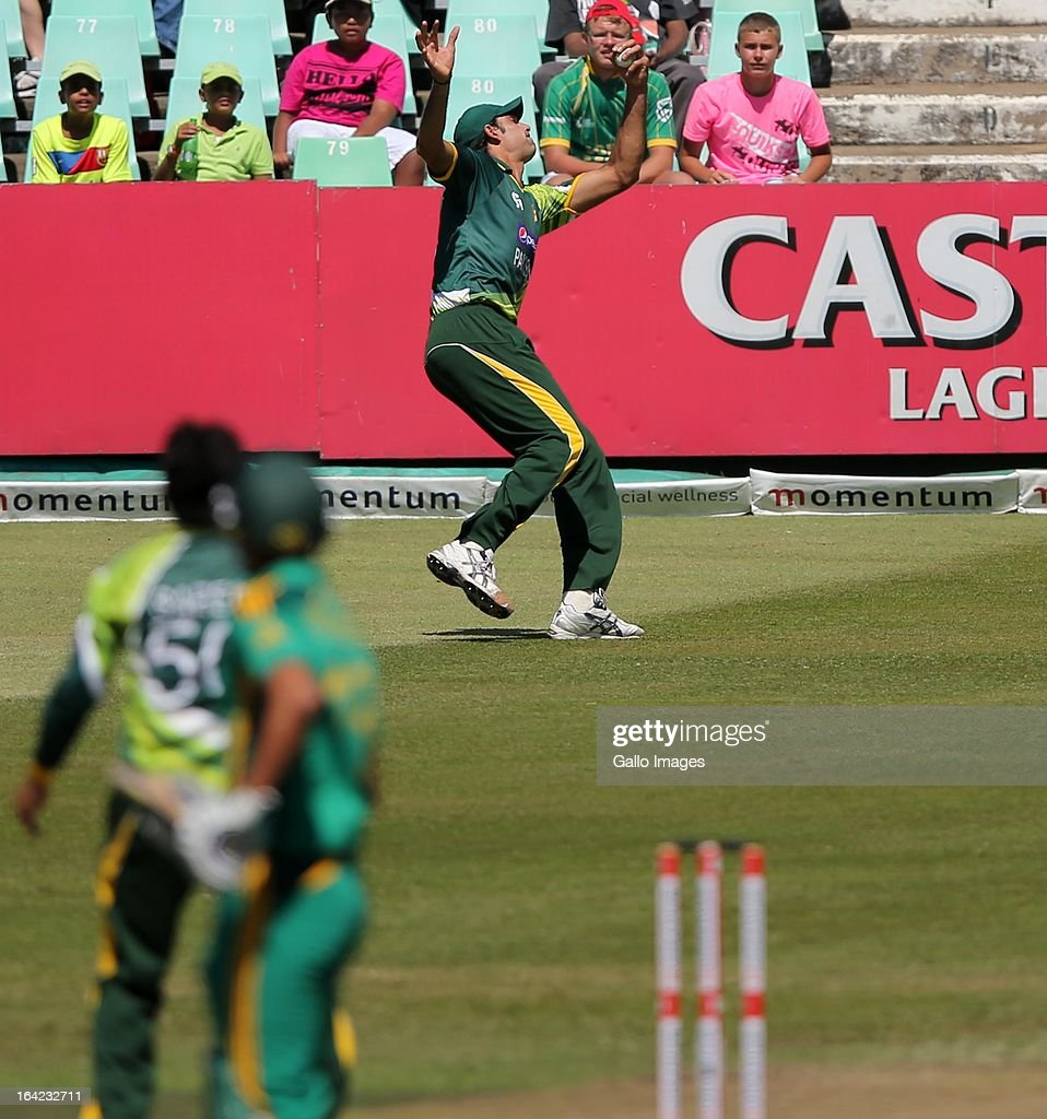 Mohamed Irfan takes a one handed catch during the 4th Momentum One Day International match between South Africa and Pakistan at Sahara Stadium Kingsmead on March 21, 2013 in Durban, South Africa.