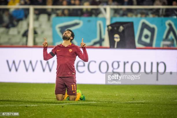 Mohamed Salah of AS Roma celebrates after scoring his second goal during the Serie A match between Pescara Calcio and AS Roma at Adriatico Stadium on...