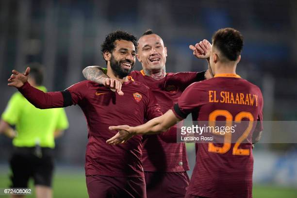 Mohamed Salah of AS Roma celebrates with Radja Nainggolan and Stephan El Shaarawy after scoring a goal during the Serie A match between Pescara...
