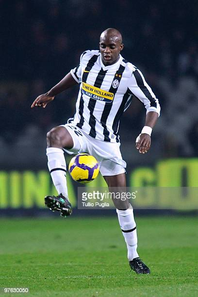 Mohamed Sissoko of Juventus in action during the Serie A match between Juventus and Palermo at Stadio Olimpico di Torino on February 28 2010 in Turin...