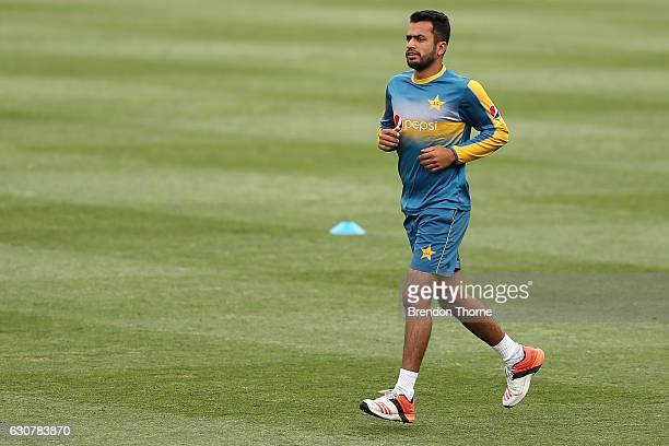 Mohammad Hafeez runs during Pakistan team training at SCG on January 2 2017 in Sydney Australia