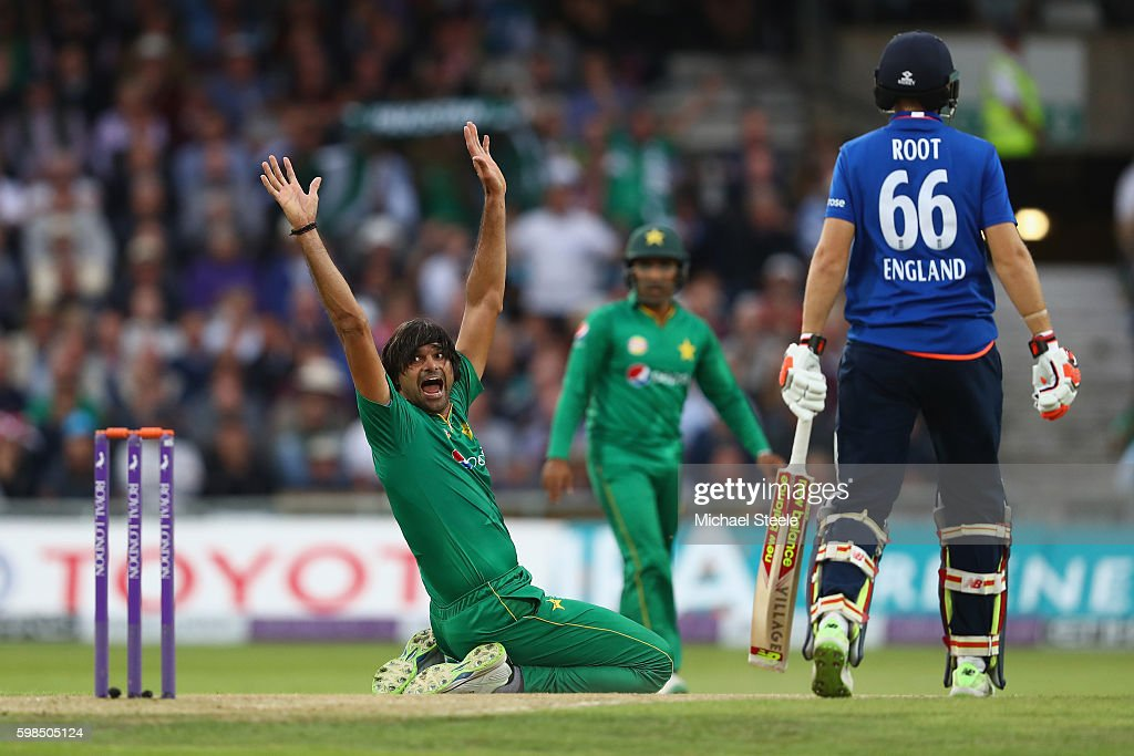 England v Pakistan - 4th One Day International