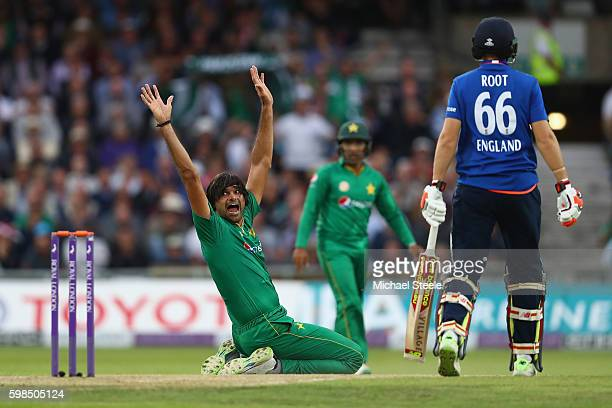 Mohammad Irfan of Pakistan appeals unsuccessfully for the wicket of Eoin Morgan during the 4th Royal London One Day International match between...