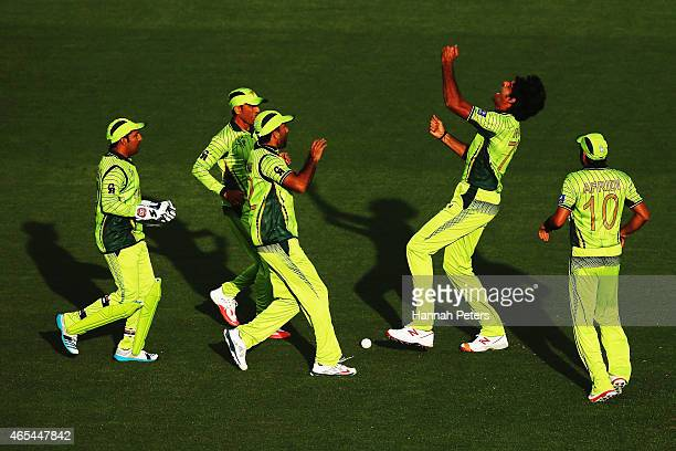 Mohammad Irfan of Pakistan celebrates after dismissing Quinton de Kock of South Africa during the 2015 ICC Cricket World Cup match between South...
