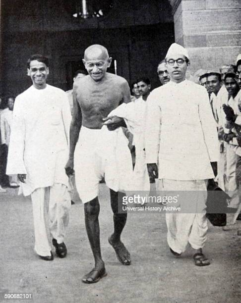 gandhis civil disobedience movement essay Civil disobedience,  - gandhi was a social movement leader who is commonly related to the ideological approach of  essay about civil rights movement of.