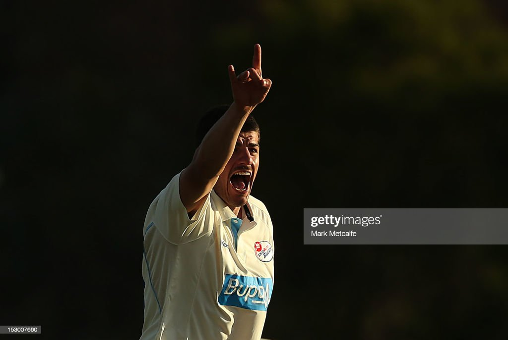 <a gi-track='captionPersonalityLinkClicked' href=/galleries/search?phrase=Moises+Henriques&family=editorial&specificpeople=875812 ng-click='$event.stopPropagation()'>Moises Henriques</a> of New South Wales appeals for lbw to claim the wicket of James Faulkner of Tasmania during during day four of the Sheffield Shield match between the New South Wales Blues and the Tasmanian Tigers at Bankstown Oval on September 29, 2012 in Sydney, Australia.