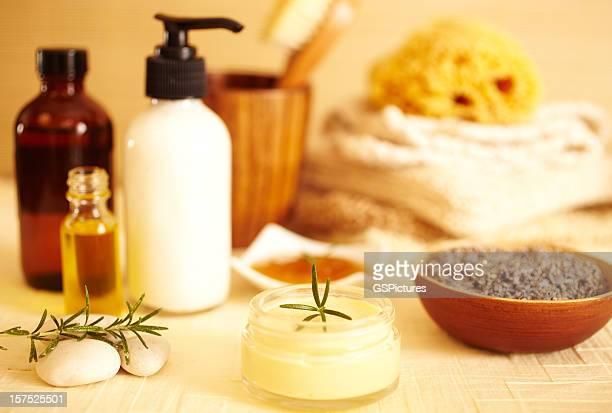 lotions, Feuchtigkeitscreme aus ätherischen Ölen, Lavendel-Pflegeprodukte.