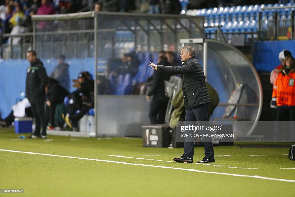 Molde's manager Ole Gunnar Solskjaer reacts during the UEFA Europa Leage football match Molde FK vs Celtic FC in Molde on October 22, 2015.