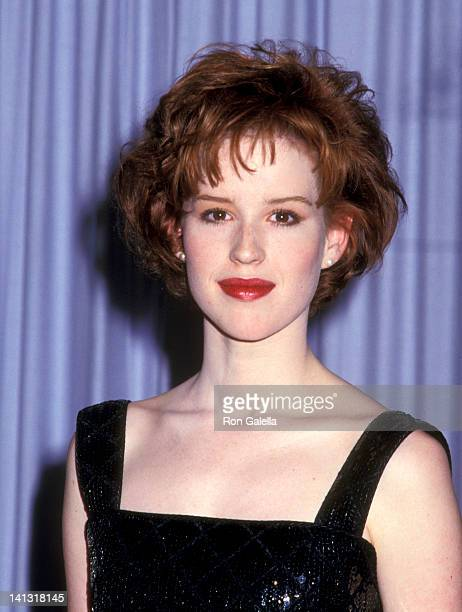 Molly Ringwald at the 59th Annual Academy Awards Dorothy Chandler Pavilion Los Angeles