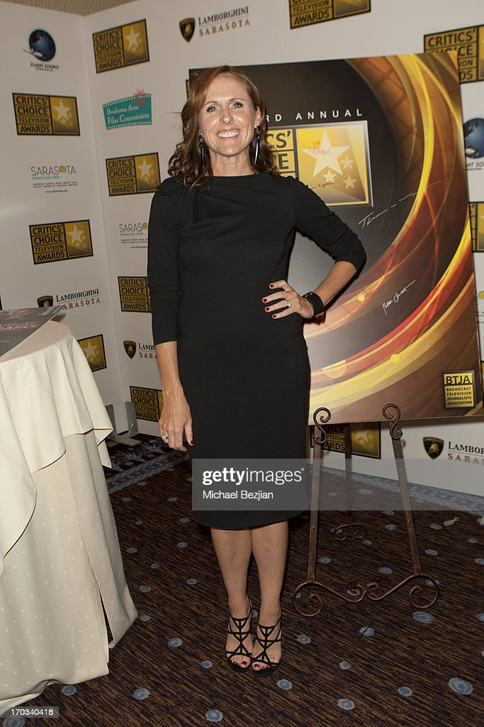 Molly Shannon attends Critics' Choice Television Awards VIP Lounge on June 10, 2013 in Los Angeles, California.